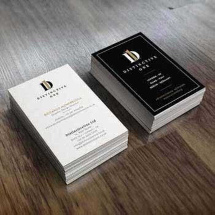 Quatio - studio grafico Torino - ha realizzato biglietti da visita, brochure, logo per il Distinctive One Ltd